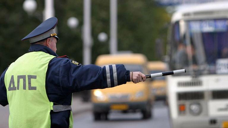 Сотрудники Североуральской ГИБДД оштрафовали пассажиров междугородних автобусов за пренебрежение ремнями безопасности