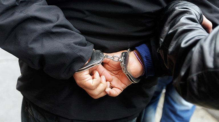 В Североуральске задержали студента-рецидивиста, который избил человека в кафе