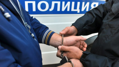 Замглавы свердловского Следственного комитета задержали по подозрению во взятке