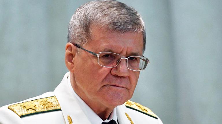 Путин предложил освободить Чайку от поста генпрокурора