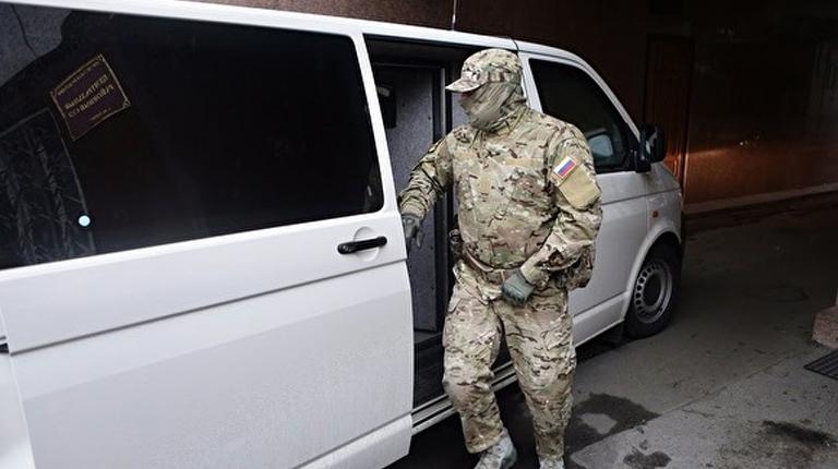 Сотрудницу налоговой задержали в Екатеринбурге при получении взятки