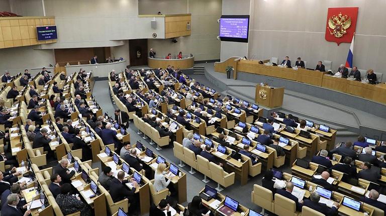 Совет Федерации одобрил закон о тюремных сроках за нарушение санэпидправил и фейки о COVID-19