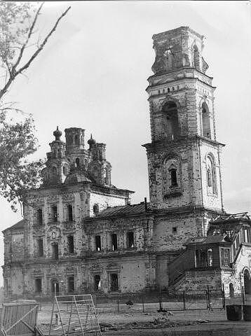 Церковь во имя святых первоверховных апостолов Петра и Павла в период запустения