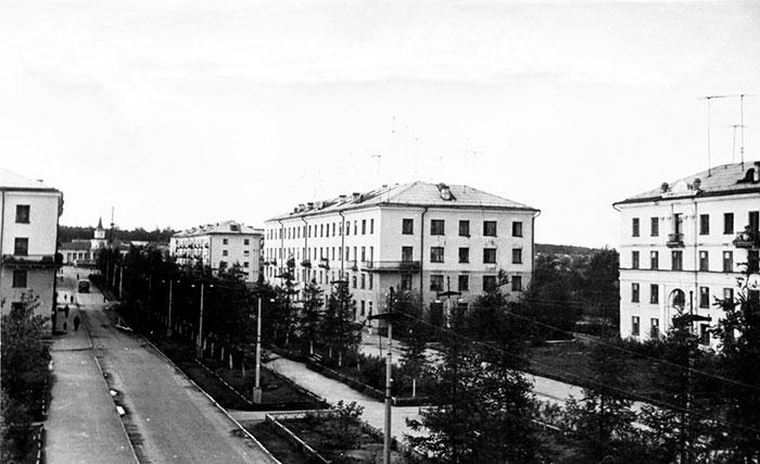 Лиственничная алея Североуральск
