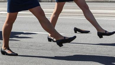 В Калининграде наградили участницу парада, потерявшую туфлю