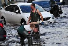 Москва уходит под воду после сильного ливня