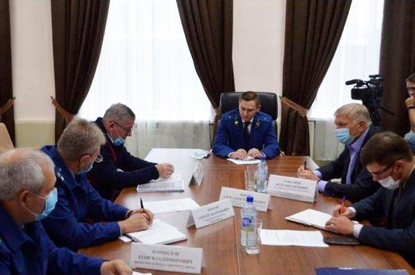 Начальник отдела прокуратуры Свердловской области Никита Шулепов провел совещание по вопросу экологической безопасности Североуральска и Ивделя