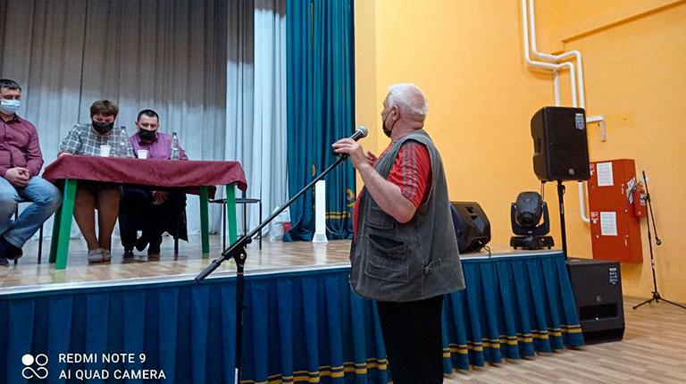 Встреча депутатов и черемуховцев переросла в бурные дебаты